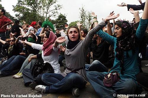 Taikus protestas (Ghandi stiliumi)